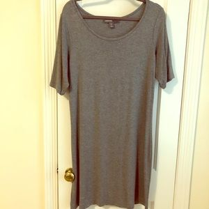 Gray cotton sheath dress with elbow-length sleeves